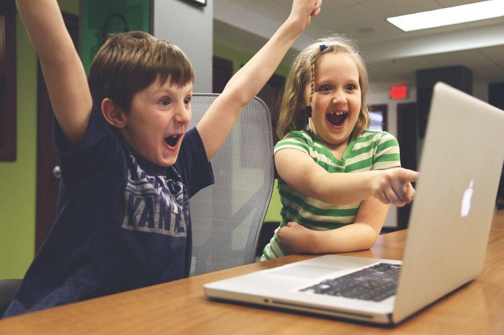 children, win, success-593313.jpg