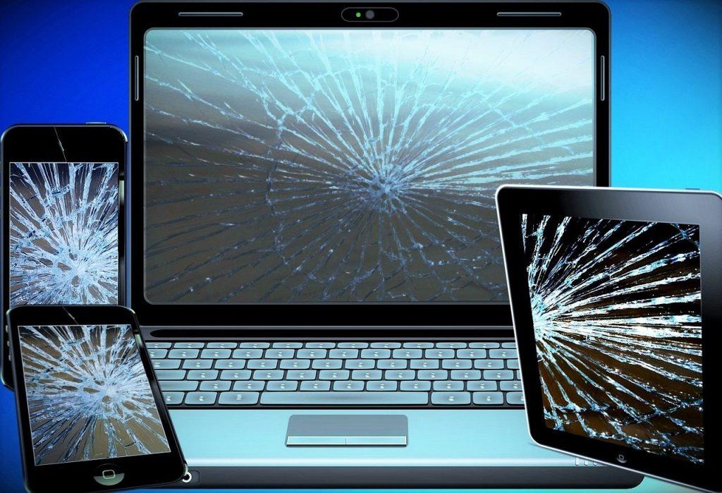 electronic scrap, mobile phone, laptop-944452.jpg